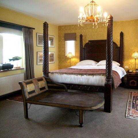 Wood, Bed, Lighting, Room, Interior design, Floor, Property, Furniture, Hardwood, Textile,