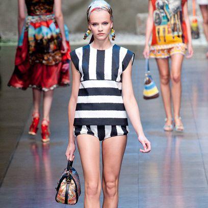 Clothing, Leg, Human leg, Joint, Style, Thigh, Fashion, Waist, Dress, Fashion model,