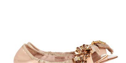 Brown, Beige, Tan, Khaki, Costume accessory, Natural material, Liver, Body jewelry, Fashion design, Embellishment,