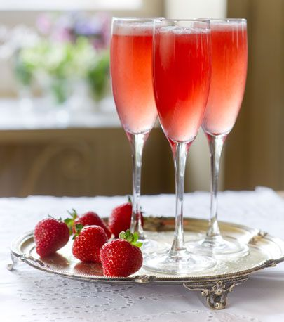 Drink, Food, Strawberry, Champagne cocktail, Strawberry juice, Strawberries, Cocktail, Non-alcoholic beverage, Juice, Alcoholic beverage,