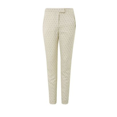 Human leg, Standing, Waist, Khaki, Knee, Grey, Tights, Beige, Active pants, Hip,