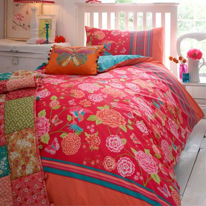 Green, Room, Bed, Interior design, Yellow, Bedding, Property, Red, Textile, Bedroom,