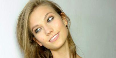Hair, Finger, Lip, Hairstyle, Skin, Shoulder, Eyebrow, Joint, Wrist, Eyelash,