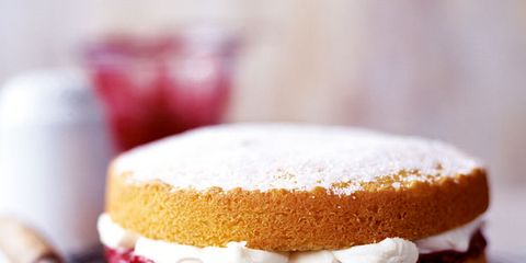 Food, Dish, Cuisine, Dessert, Ingredient, Baked goods, Sandwich Cookies, Sponge cake, Buttercream, Baking,