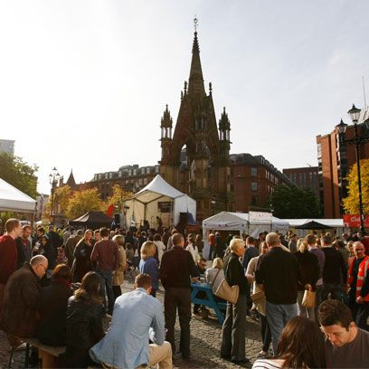 Crowd, Public space, Mammal, Tourism, Tent, Steeple, Chair, Spire, Holy places, Finial,