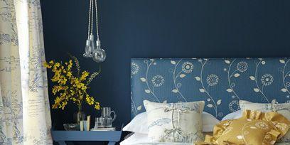 Blue, Room, Interior design, Textile, Linens, Tablecloth, Bedding, Bedroom, Bed sheet, Teal,