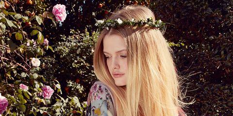 Sleeve, Petal, Headpiece, Street fashion, Hair accessory, Long hair, Spring, Garden, Tiara, Model,