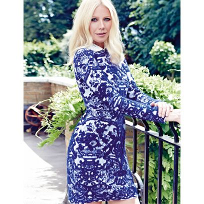 Clothing, Sleeve, Shoulder, Dress, Bag, Street fashion, Electric blue, Pattern, Fashion, Beauty,