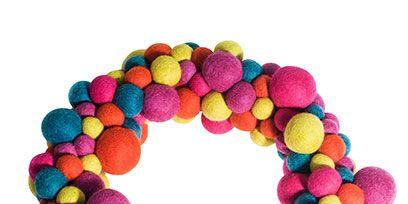 Magenta, Pattern, Circle, Violet, Craft, Bracelet, Creative arts, Natural material, Wreath,