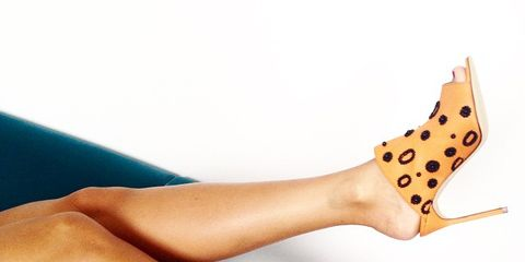 Wrist, Human leg, Pattern, Nail, Tan, Beige, Calf, Foot, Polka dot, Ankle,