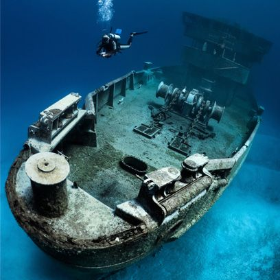 Underwater diving, Space, Scuba diving, Ship, Diving equipment, Water transportation, Naval architecture, Buoyancy compensator,