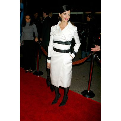 Hat, Flooring, Formal wear, Uniform, Carpet, Floor, Fashion, Sun hat, Vintage clothing, Fedora,
