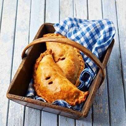 Dish, Food, Cuisine, Ingredient, Empanada, Baked goods, Pasty, Dessert, Staple food, Scone,
