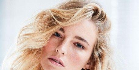 Hair, Blond, Face, Hairstyle, Eyebrow, Chin, Layered hair, Long hair, Beauty, Hair coloring,