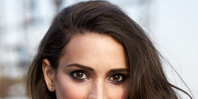 Lip, Hairstyle, Chin, Forehead, Eyebrow, Eyelash, Beauty, Long hair, Portrait photography, Brown hair,