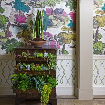 Purple, Flowerpot, Interior design, Lavender, Vase, Houseplant, Annual plant, Artifact, Creative arts, Flower Arranging,