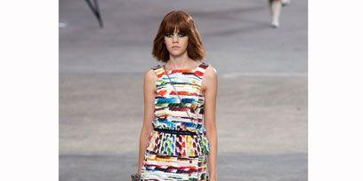 Clothing, Human leg, Shoulder, Dress, Photograph, Joint, Style, Pattern, Street fashion, Waist,