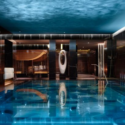 Swimming pool, Reflection, Fluid, Aqua, Hotel, Leisure centre, Water feature, Thermae, Spa town,