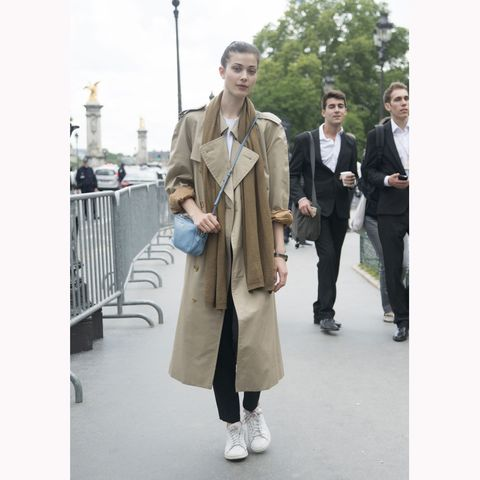 Street fashion, Clothing, Trench coat, Fashion, Coat, Snapshot, Overcoat, Outerwear, Footwear, Suit,