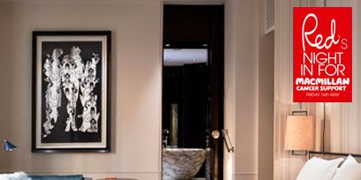 Room, Bed, Interior design, Property, Textile, Wall, Floor, Bedding, Bedroom, Linens,