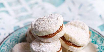 Food, Cuisine, Finger food, Sweetness, Baked goods, White, Biscuit, Cookies and crackers, Dessert, Ingredient,