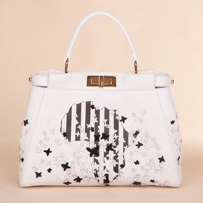 Product, Bag, Photograph, White, Fashion accessory, Style, Luggage and bags, Light, Beauty, Shoulder bag,