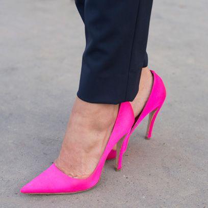 Footwear, Human leg, High heels, Joint, Shoe, Red, Pink, Magenta, Style, Basic pump,
