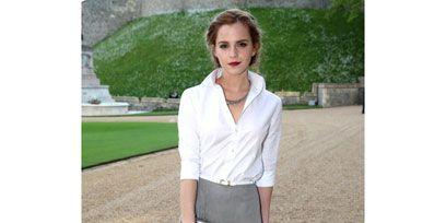 Green, Sleeve, Collar, Shoulder, Textile, Photograph, White, Formal wear, Style, Waist,