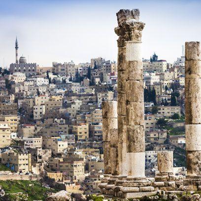 Wall, Landmark, History, Ancient history, Ruins, Column, Archaeological site, Tower, Human settlement, Artifact,