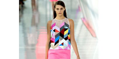 Fashion show, Shoulder, Joint, Human leg, Runway, Waist, Pink, Style, Fashion model, Magenta,