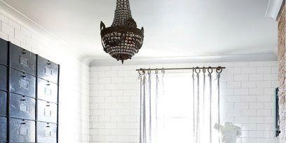 Room, Interior design, Property, Bathroom, Floor, Tile, Curtain, Wall, Ceiling, Furniture,