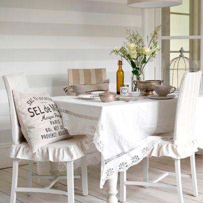 Tablecloth, Room, Interior design, Furniture, Textile, Table, Linens, Floor, Interior design, Centrepiece,