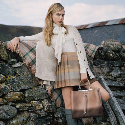 Brown, Textile, Bag, Pattern, Plaid, Style, Street fashion, Beauty, Fashion accessory, Luggage and bags,