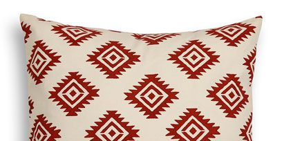 Throw pillow, Pillow, Textile, Cushion, Pattern, White, Linens, Rectangle, Bedding, Home accessories,