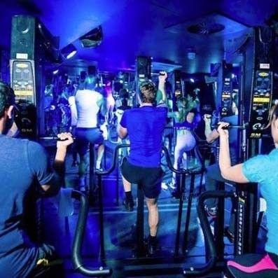 Room, Muscle, Bar, Fun, Pub, Nightclub, Leisure, Disco, Music venue, Physical fitness,