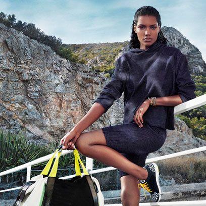 Leg, Human body, Human leg, Bag, Sitting, Knee, Thigh, Street fashion, Luggage and bags, Bedrock,