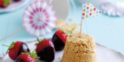 Food, Sweetness, Dishware, Serveware, Tableware, Plate, Fruit, Ingredient, Cuisine, Strawberry,
