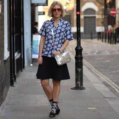 Clothing, Eyewear, Brown, Sleeve, Shoulder, Human leg, Textile, Photograph, Joint, White,