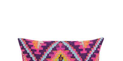 Textile, Purple, Cushion, Home accessories, Pillow, Rectangle, Throw pillow, Symmetry, Linens, Undergarment,