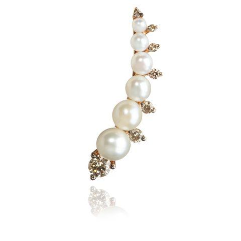 Jewellery, Pearl, Body jewelry, Fashion accessory, Gemstone, Hair accessory, Headpiece, Silver,
