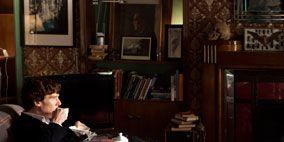 Wood, Room, Furniture, Sitting, Table, Flooring, Lamp, Floor, Picture frame, Living room,