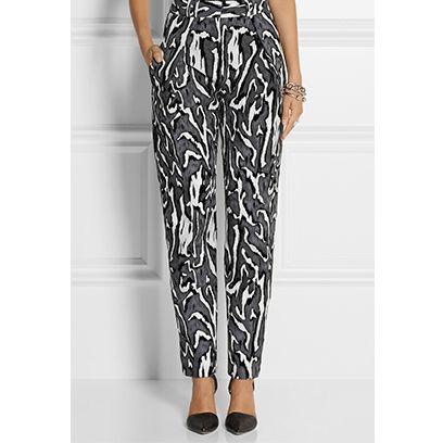 Footwear, Shoulder, Joint, Pattern, Human leg, Waist, Style, Dress, One-piece garment, Fashion,