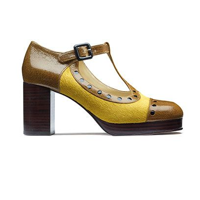 Footwear, Product, Brown, Yellow, Tan, Fashion, Black, Beige, Material property, Leather,
