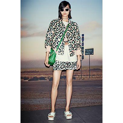 Clothing, Eyewear, Leg, Sleeve, Human leg, Style, Sunglasses, Street fashion, Fashion accessory, Fashion,