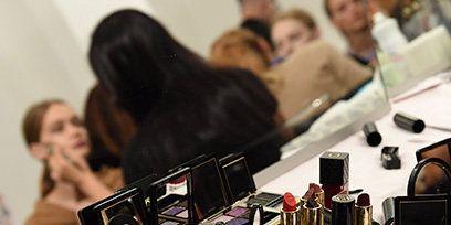 Electronic device, Lipstick, Electronics, Beauty, Cosmetics, Collection, Cameras & optics, Black hair, Magenta, Photography,