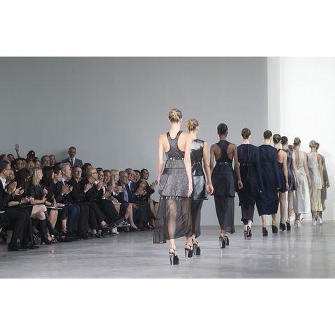 Style, Fashion show, Runway, Fashion, Fashion model, Street fashion, Fashion design, Waist, Haute couture, Model,