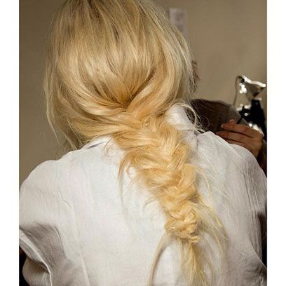 Hairstyle, Shoulder, Style, Back, Long hair, Blond, Brown hair, Hair coloring, Hair accessory, Liver,