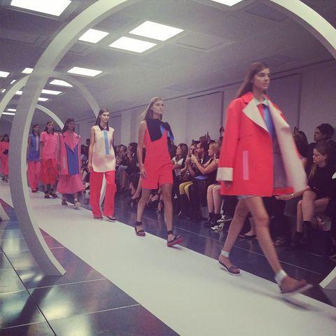 Leg, Trousers, Outerwear, Style, Fashion show, T-shirt, Jacket, Runway, Fashion, Fashion model,