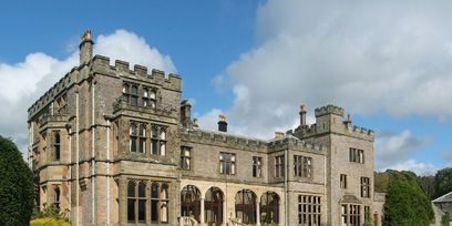Estate, Building, Property, Mansion, Grass, Lawn, Stately home, House, Manor house, Castle,