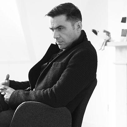 Sitting, Comfort, Monochrome, Style, Monochrome photography, Black-and-white, Knee, Thinking, Lap, Portrait,